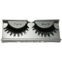 Ardell Runway   Thick Lashes Tyra